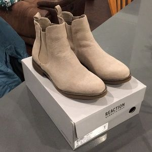 Kenneth Cole tan booties
